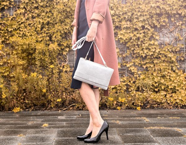Grey Shadow Clutch - A beautiful choice to contain many necessities such as phone, credit cards, cash and make-up – no matter if the occasion is daily use or a night out.