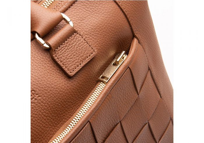 Camel Crush Shopper Close-up