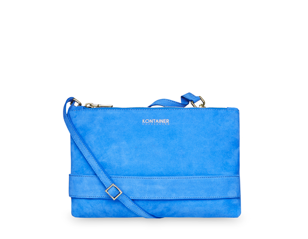 Blue Lagoon Clutch - A beautiful choice to contain many necessities such as phone, credit cards, cash and make-up – no matter if the occasion is daily use or a night out.