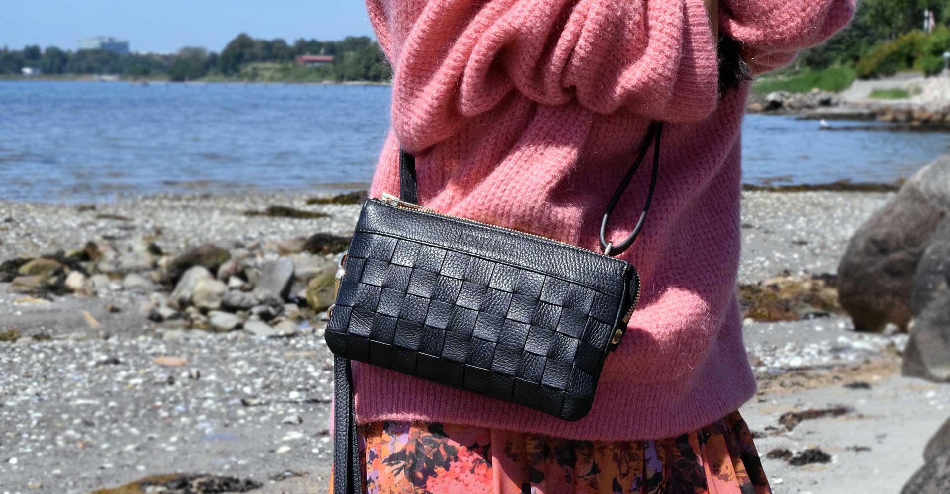 Kontainer Copenhagen Black Love Mini Clutch